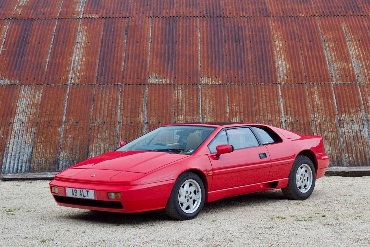 skillfully restyled lotus esprit 1991 with spacious interior oldtimer kaufen lotus. Black Bedroom Furniture Sets. Home Design Ideas