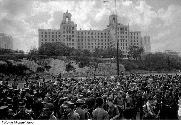 PEDRO, EL TRAIDOR Escrito por JOSÉ RÉYEZ. En 1993, Pedro Aníbal Riera Escalante fue separado del Ministerio del Interior acusado de violar la Orden Número 1 de Fidel Castro, que prohíbe tener relaciones con personas desafectas a la Revolución Cubana.... Enlace al artículo: http://www.conexioncubana.net/historia-de-cuba-2/4019-pedro-el-traidor