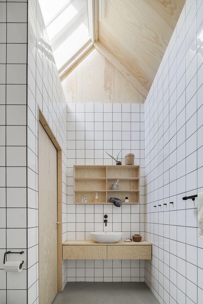 Galería De Casa Para Madre Förstberg Ling House Galleries - Fully tiled bathroom