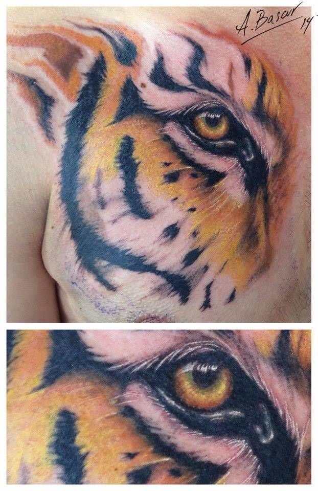 Realistic Style Tiger Eye Tattoo On The Chest Hawaiian Tattoo Back Tattoo Traditional Tattoo