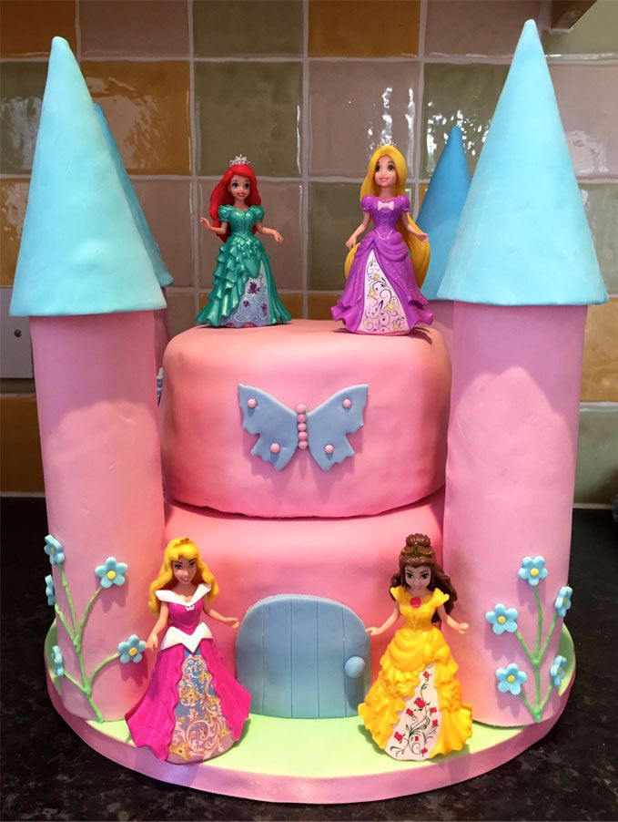 An easy way to make a Disney Princess Castle Birthday Cake