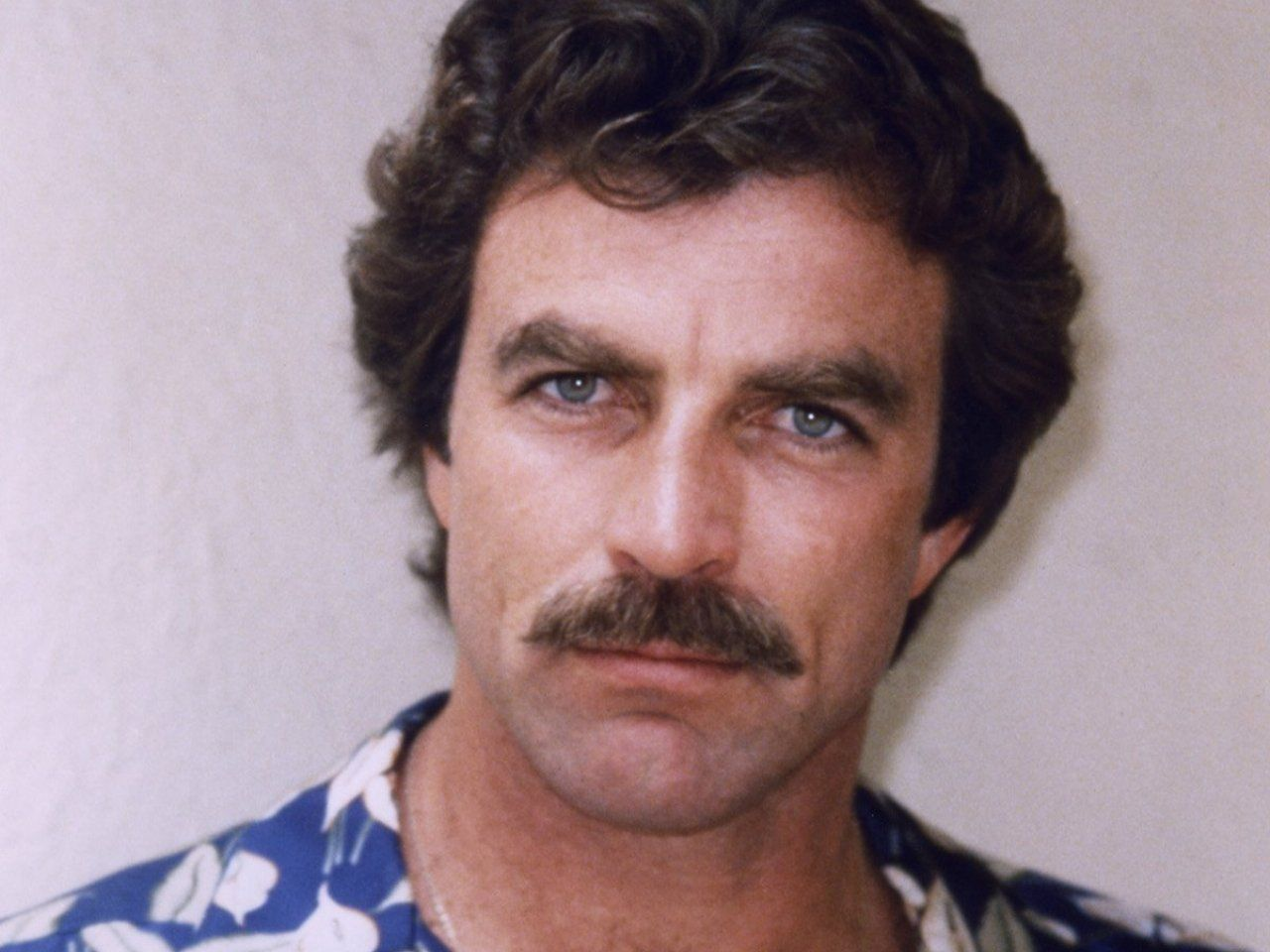 Tom Selleck earned a  million dollar salary, leaving the net worth at 25 million in 2017