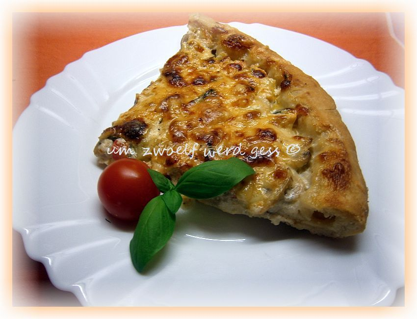 Vegetarische Pizza mit Käserand