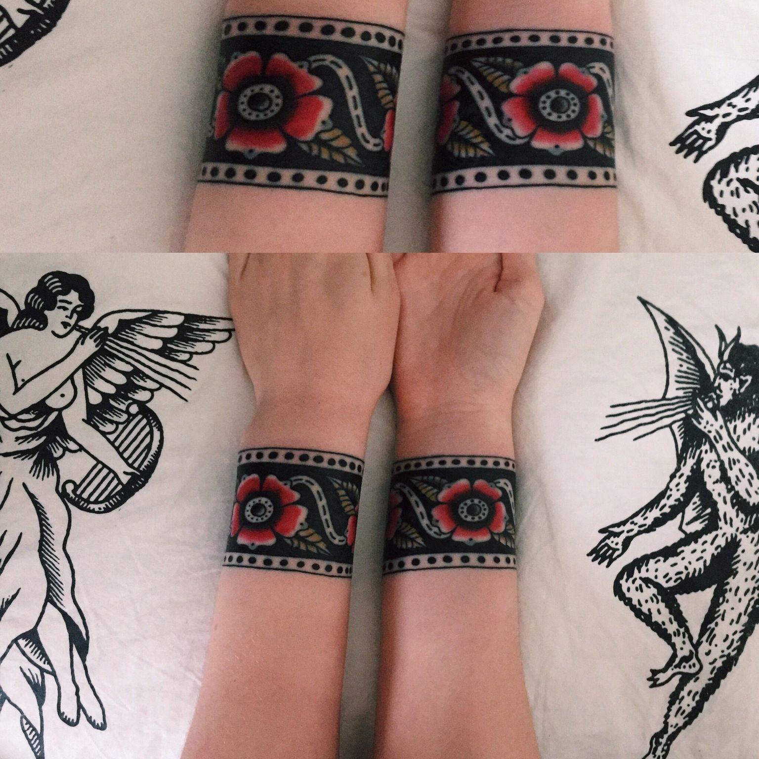 E1a92ca76a5040d988047363f5b529cb 1536 1536 Traditional Tattoo Wrist Cuff Tattoo Wrist Ankle Cuff Tattoo