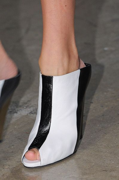 Narciso Rodriguez Spring 2013 - Details