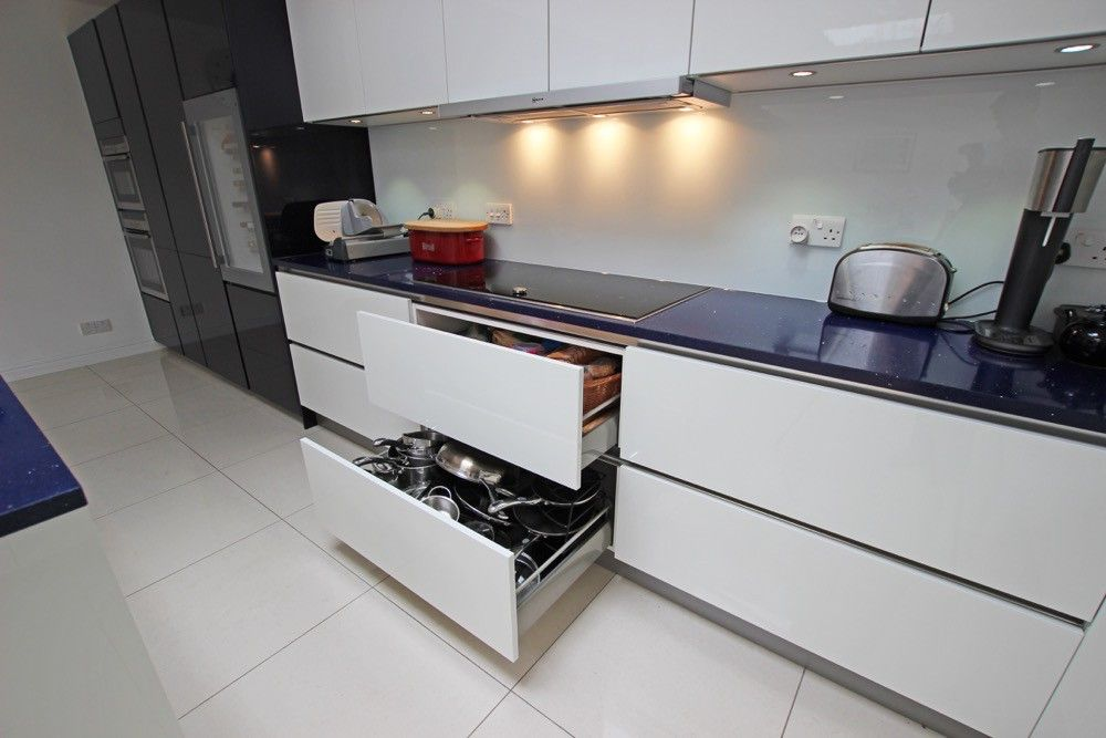 Contemporary Handleless Kitchen Cabinets Glass Lwk Kitchens London Gloss Lacquer Drawers N In Decor