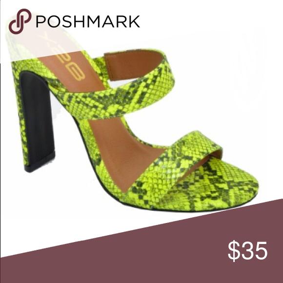 ab06cc2b6731 Black And Neon Green Snakeskin Heel * 4