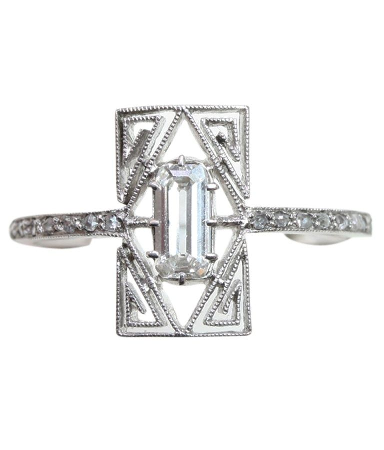An Belle Epoque Diamond And Platinum Ring By Ren Lalique With