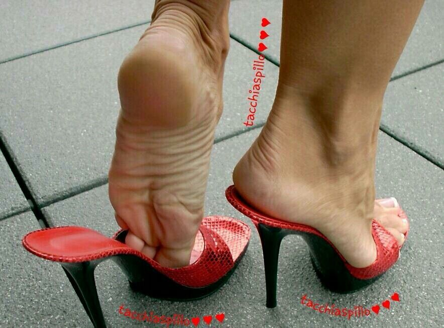 Dangling high heels mules tgp will not