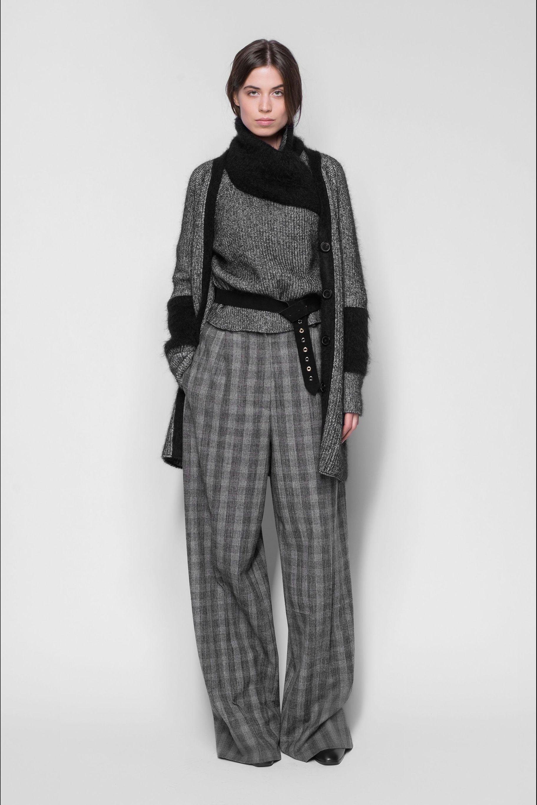 5f6b52f2984a Pantaloni autunno inverno 2017 2018: i modelli larghi e di moda sono i  pantaloni a palazzo