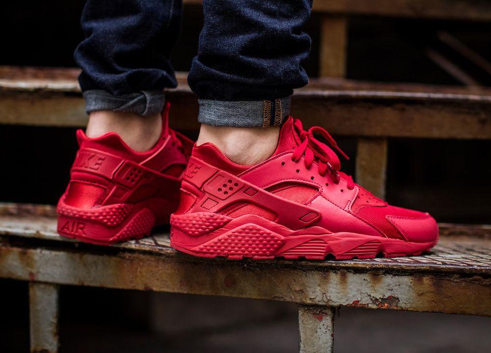 6290d45072e6 Nike Air Huarache  Triple Red