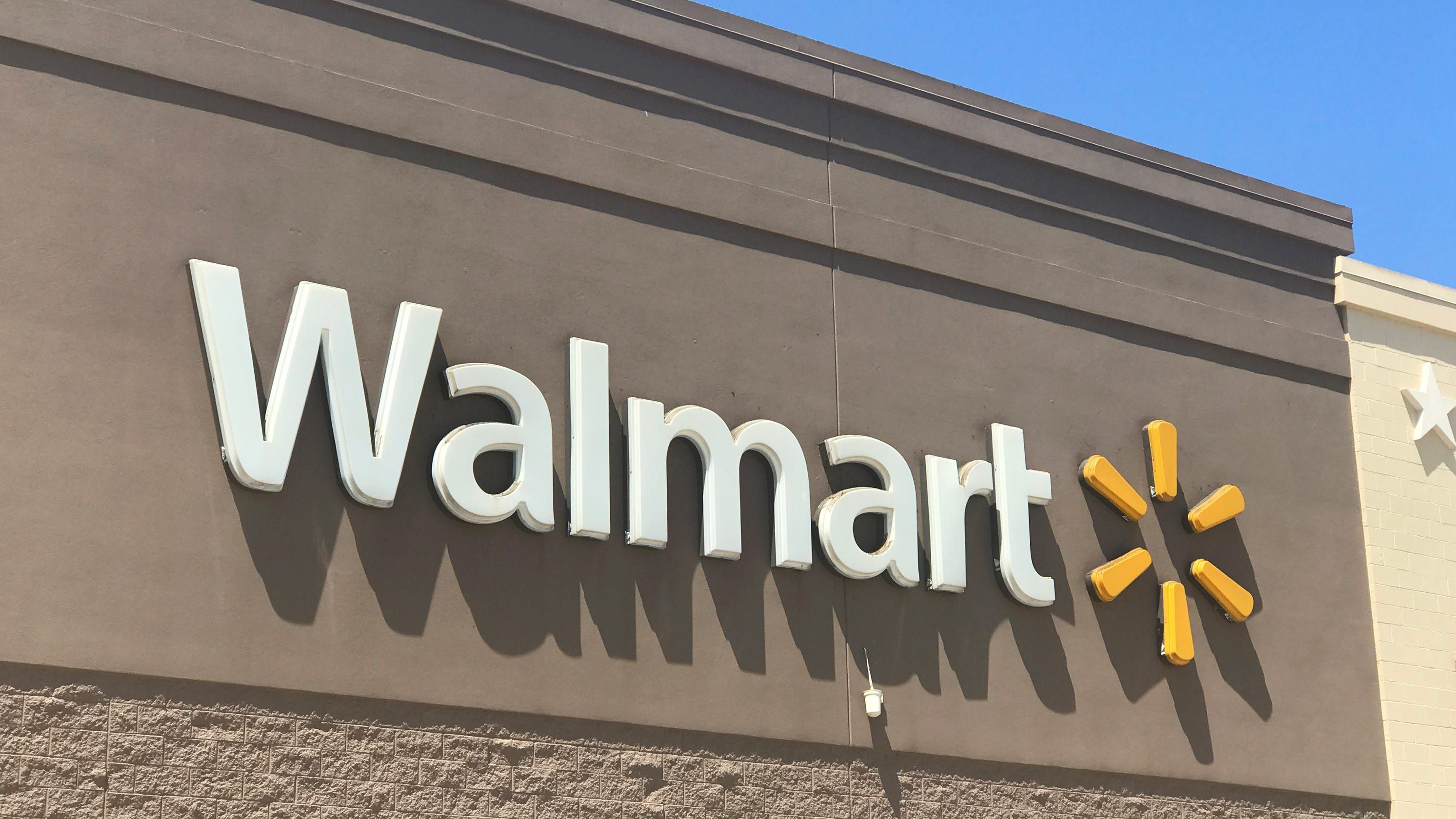 Texas Woman Banned From Walmart Reportedly For Eating Half A Cake And Refusing To Pay Texas Women Summer Jobs Walmart Locations