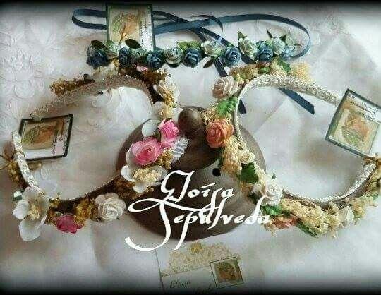 Pin de Eloisa Sepulveda Blanco en Coronas flores secas comunión - flores secas