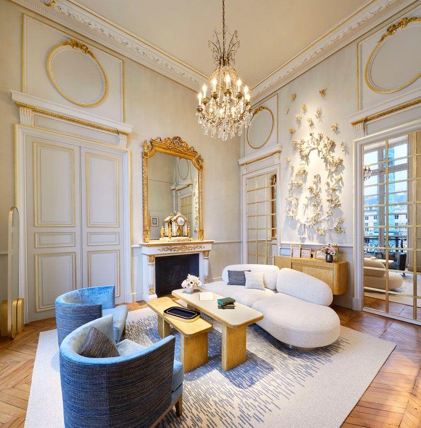 Visite Guidee De L Hotel Particulier Chaumet Place Vendome Et De Son Salon Des Diademes En 2020 Hotel Particulier Place Vendome Architecte Interieur