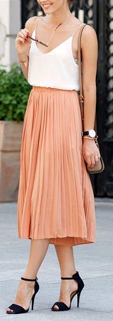 I think I like this midi length skirt. The shirt is cute too
