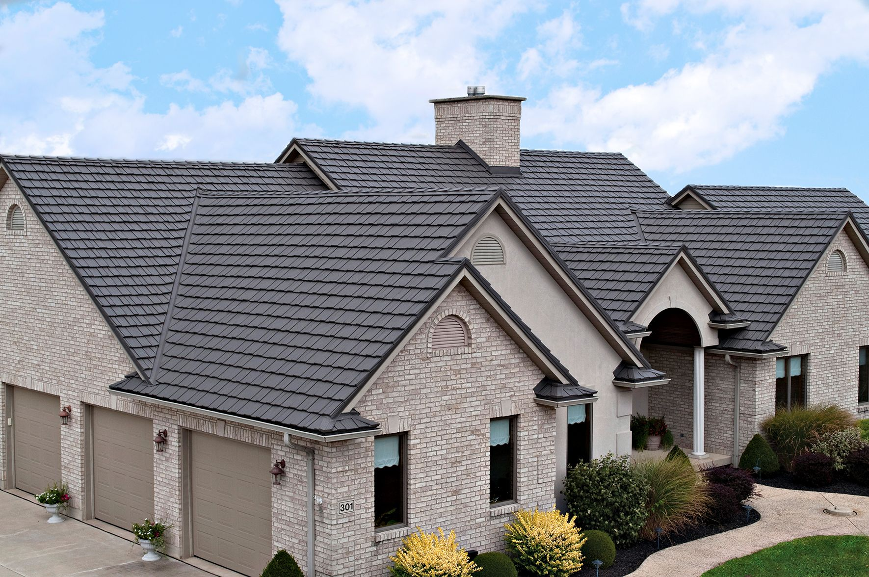 Beautiful Country Manor Shake Aluminum Roofing System
