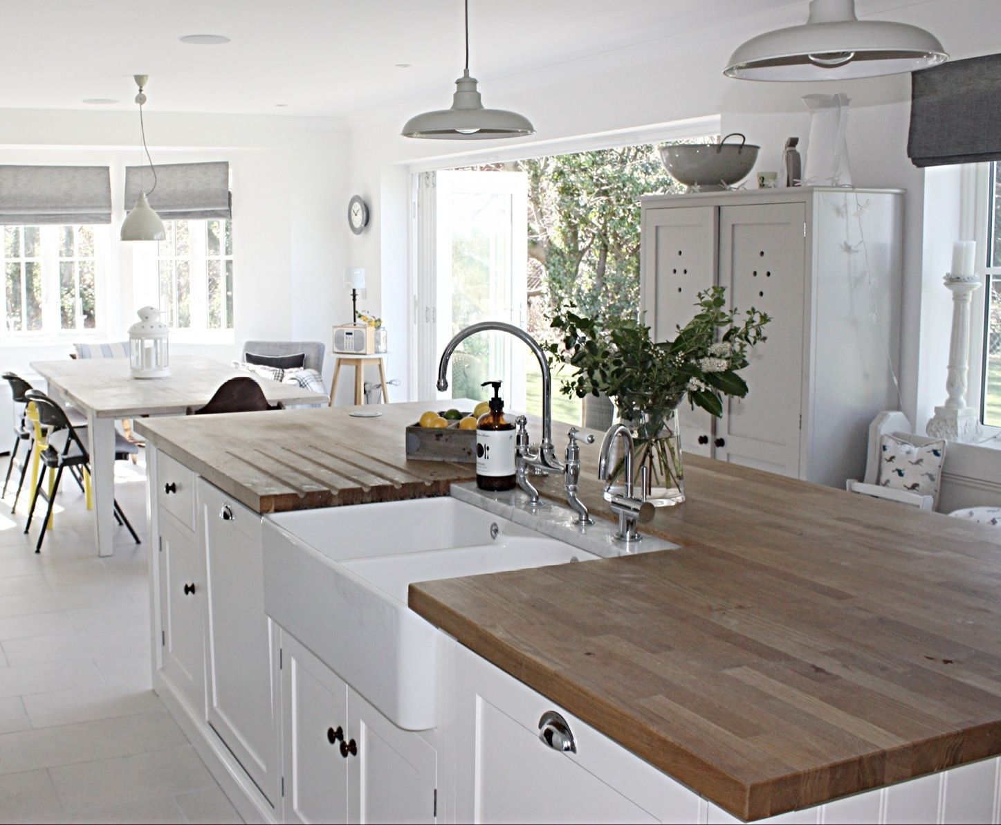 island kitchen design small kitchen designs layout simple kitchen design on kitchen layouts with island id=31435