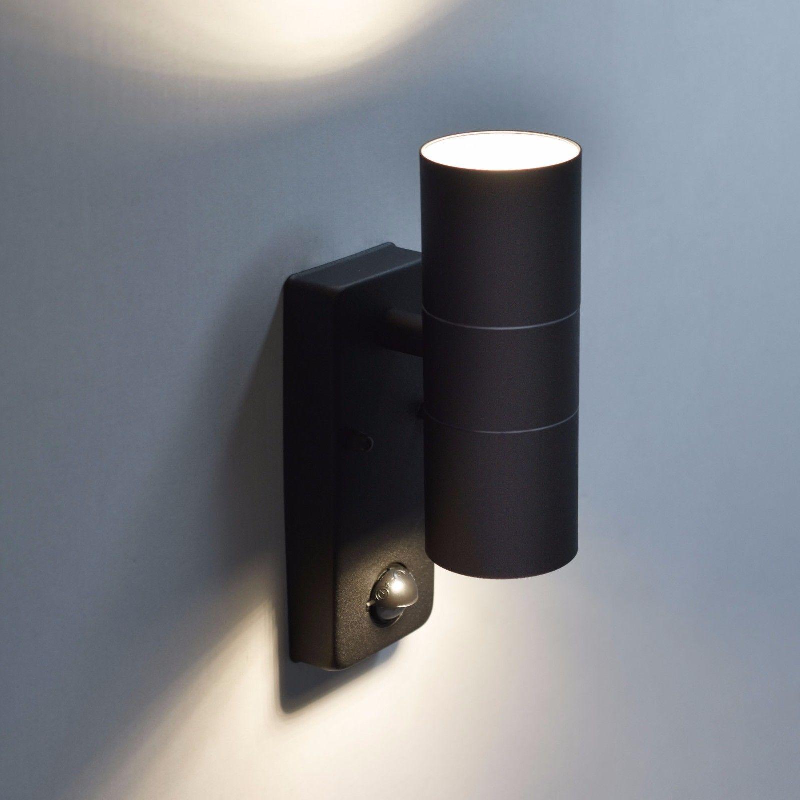 auenlampe mit hausnummer top ein echtes talent ist die auenlampe marvel sie verfgt ber einen. Black Bedroom Furniture Sets. Home Design Ideas