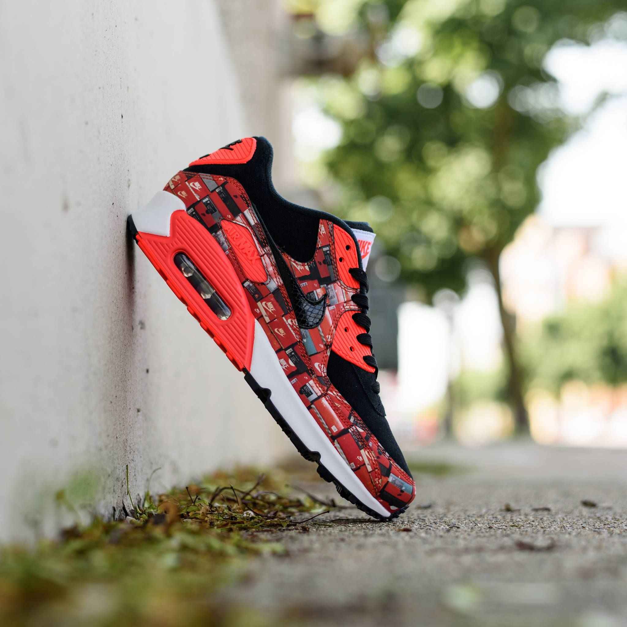 Renowned Japanese sneaker retailer Atmos dropped another