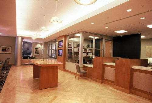 Torrey Pines Bank – Del Mar, CA  This three-phase tenant improvement project consisted of a 5,435 SF corporate office complex.