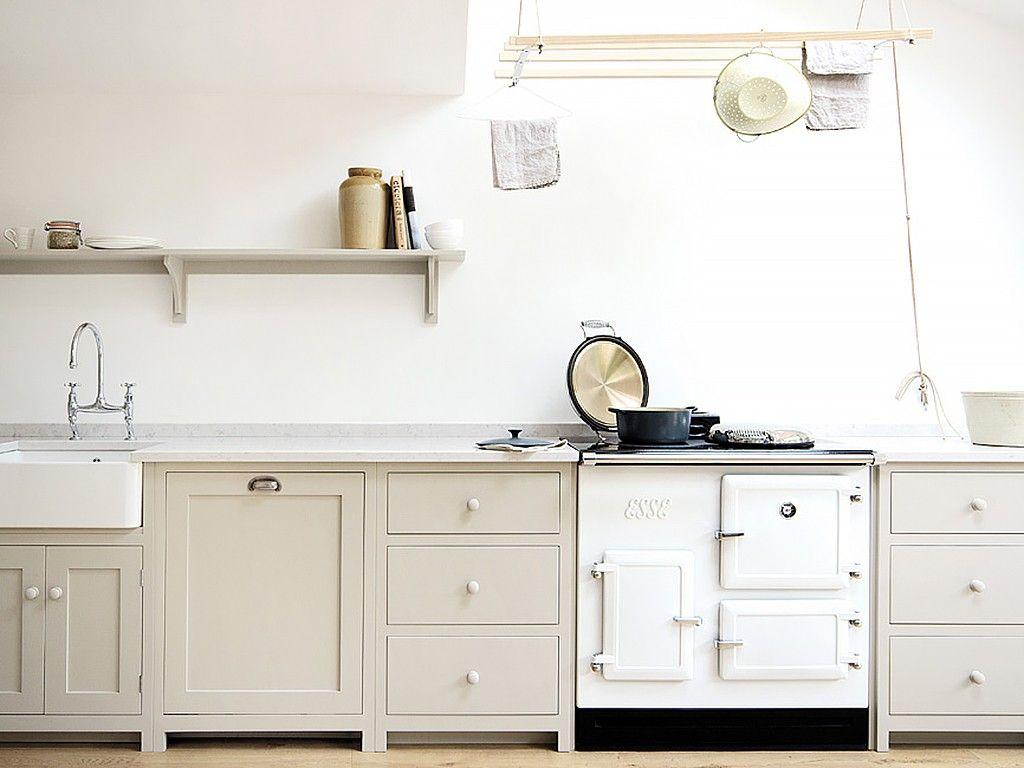 Cozinha com fogão retro b e a c h h o u s e k i t c h e n