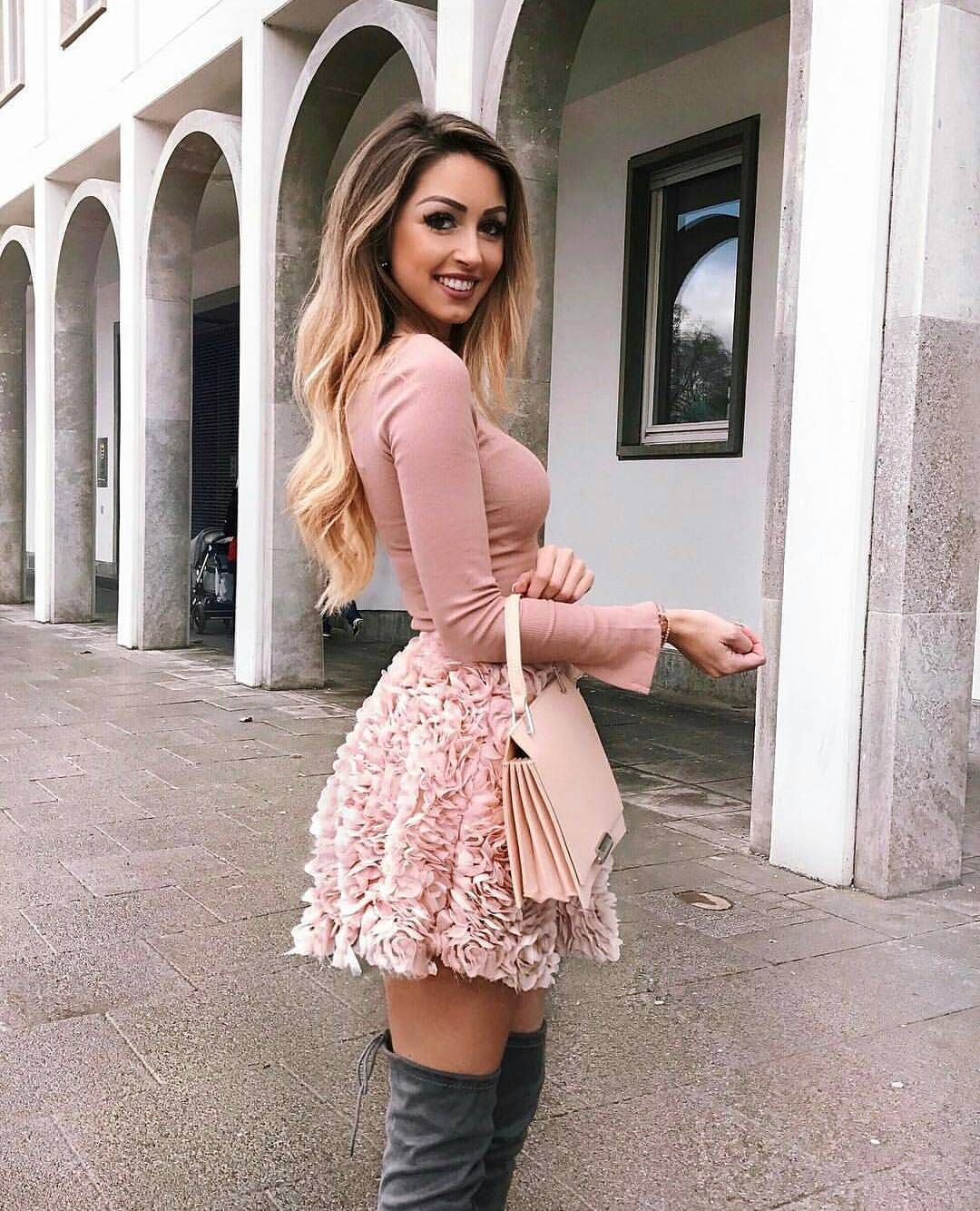 """25.2k Likes, 60 Comments - F A S H I O N H U T ™ (@lovelyfashionhut) on Instagram: """" ©caro_e_  Shopping link in bio ❤  For business, collaboration and promotions ⬇…"""""""