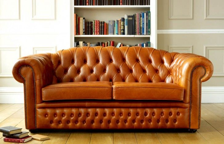 A Curved Back Gives This Clic Chesterfield Sofa Unique Touch We Have Team Of Expert Craftsmen In Our Manchester Factory Who Work With Special Care