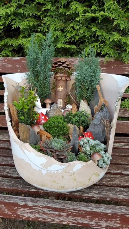 Cute and Magical Mini Garden Ideas 多肉植物のプランター, ミニチュアガーデン