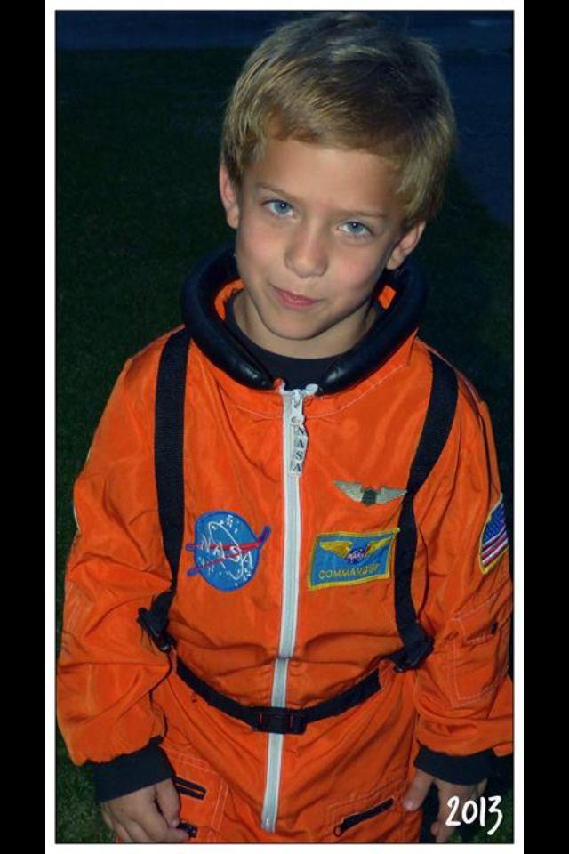 astronaut boy scouts - 640×960