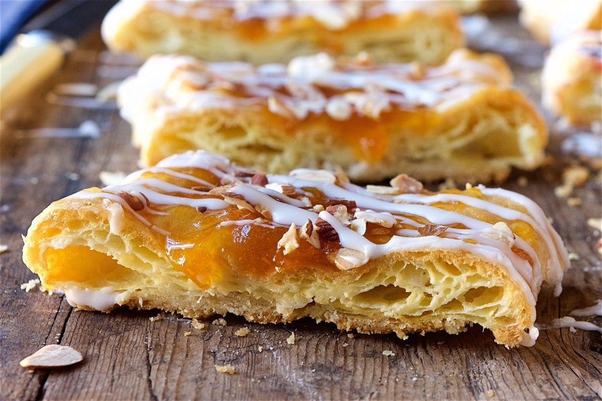 Easy Coffee Cake Recipe King Arthur: Almond Puff Loaf Bakealong