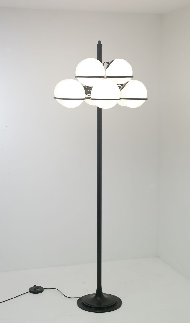 Gino Sarfatti 1094 Enameled Metal and Glass Floor Lamp for