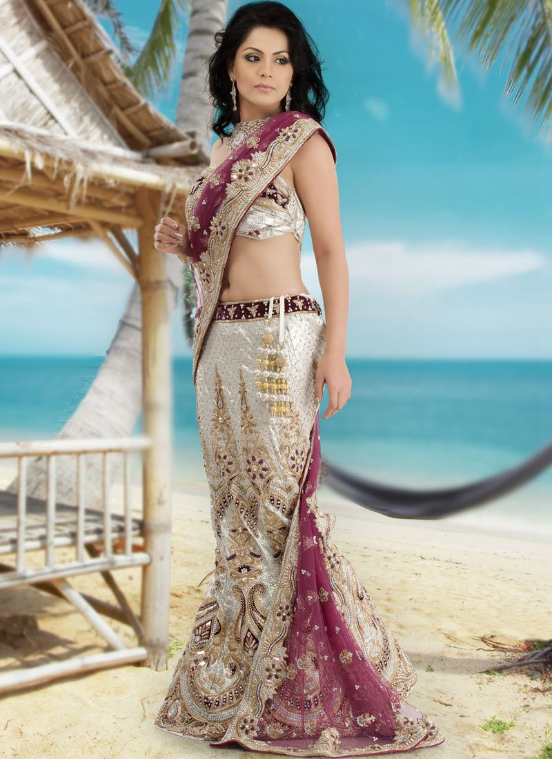 What To Wear An Indian Beach Wedding As Dresses Are Little Different From Traditional Sarees Lehenga And Sharara So Do Have A Look Here