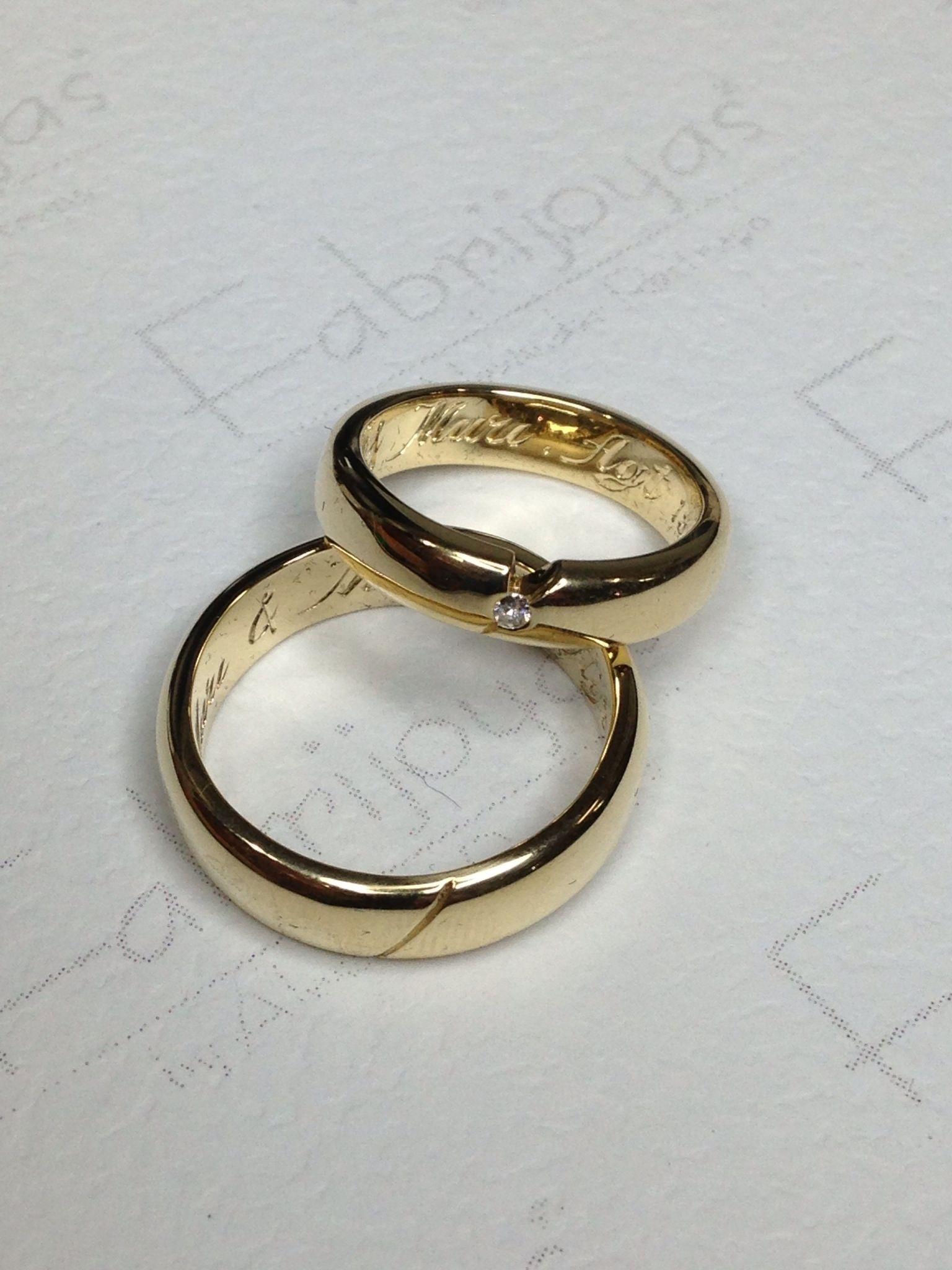 Argollas para matrimonio oro amarillo 18k ella con diamante de 0.05 ct. (Fabrijoyas)