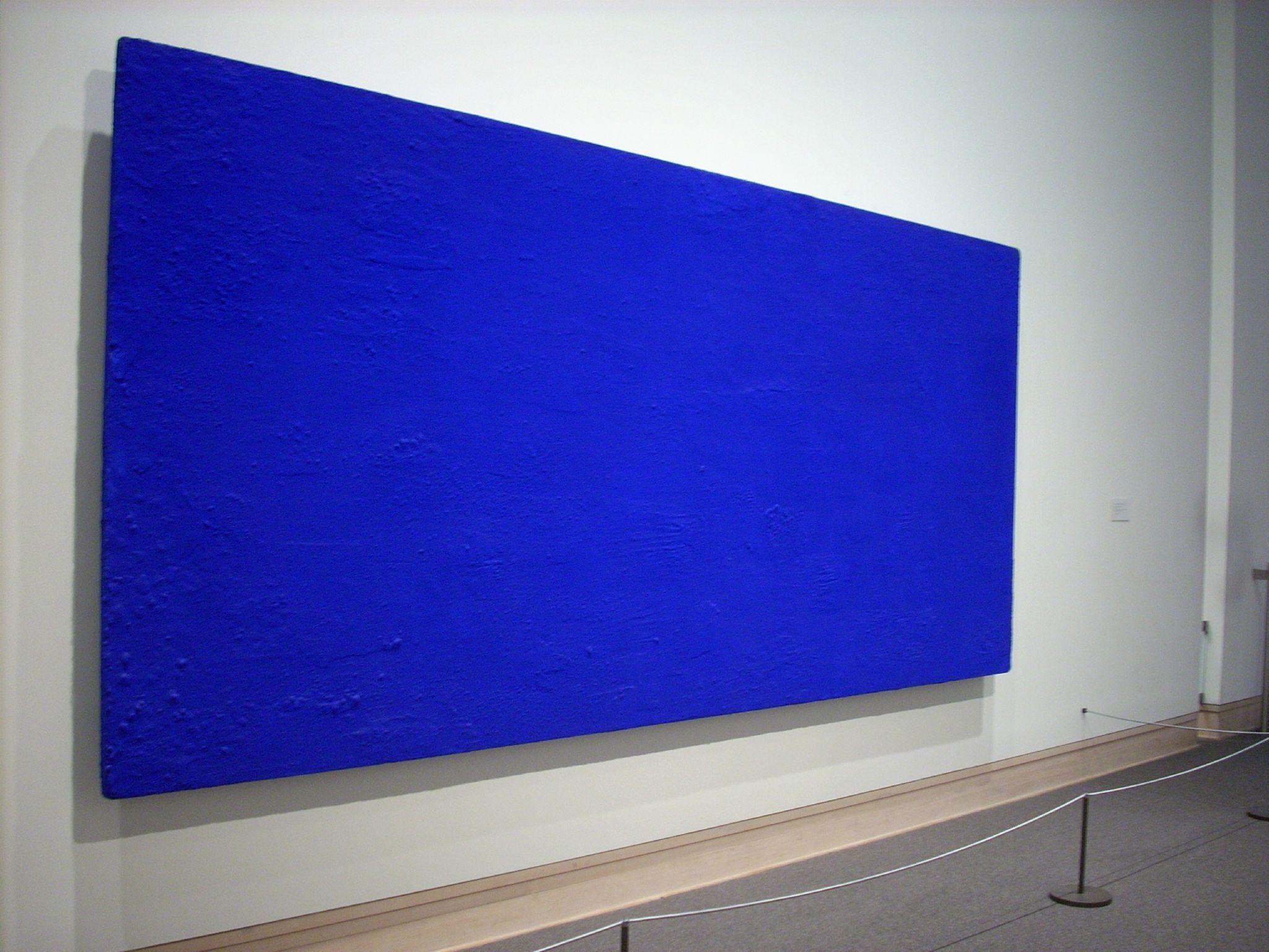 Yves Klein Un Des Fameux Monochromes Fait 224 Partir De L