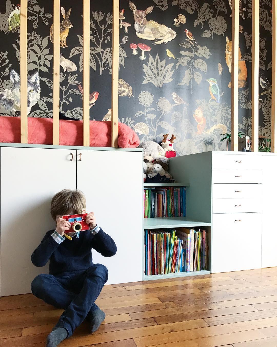 Amelie Colombet On Instagram Chez Auguste Homesweethome Paris Inhalelagence Kidsroom Homedecor Cabane Litsurmes Decoration Instagram Lit Sur Mesure