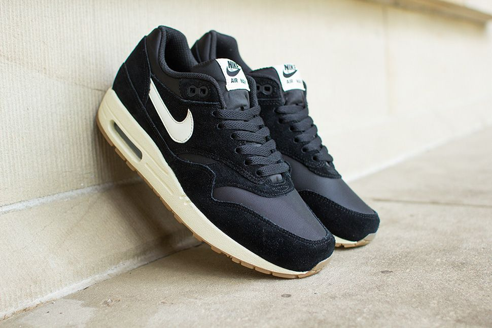 nike air max essential 1 black gum sole high top