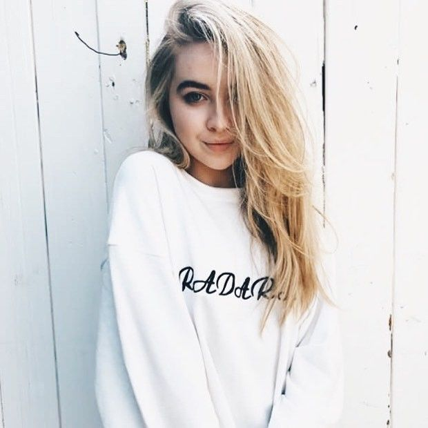 Pin By Ali J.. On Sabrina Carpenter (With Images