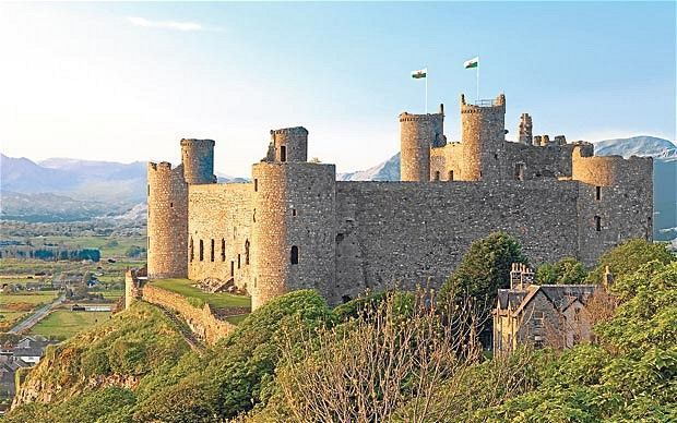 Snowdonia, Wales: answering the call of the wild west #irishsea Harlech Castle, located in Harlech, Gwynedd, Wales, is a medieval fortification, constructed atop a spur of rock close to the Irish Sea. It was built by Edward I during his invasion of Wales between 1282 and 1289. #irishsea Snowdonia, Wales: answering the call of the wild west #irishsea Harlech Castle, located in Harlech, Gwynedd, Wales, is a medieval fortification, constructed atop a spur of rock close to the Irish Sea. It was buil #irishsea