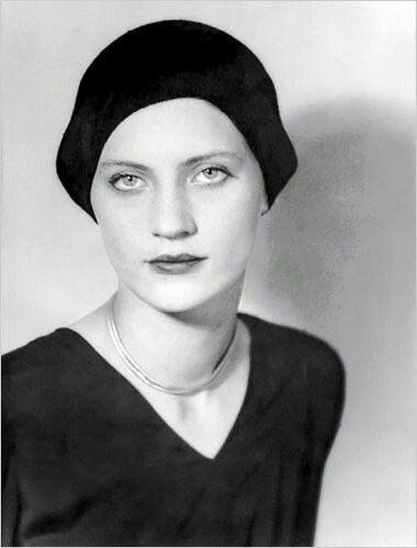 Lee Miller, fotógrafa y modelo.