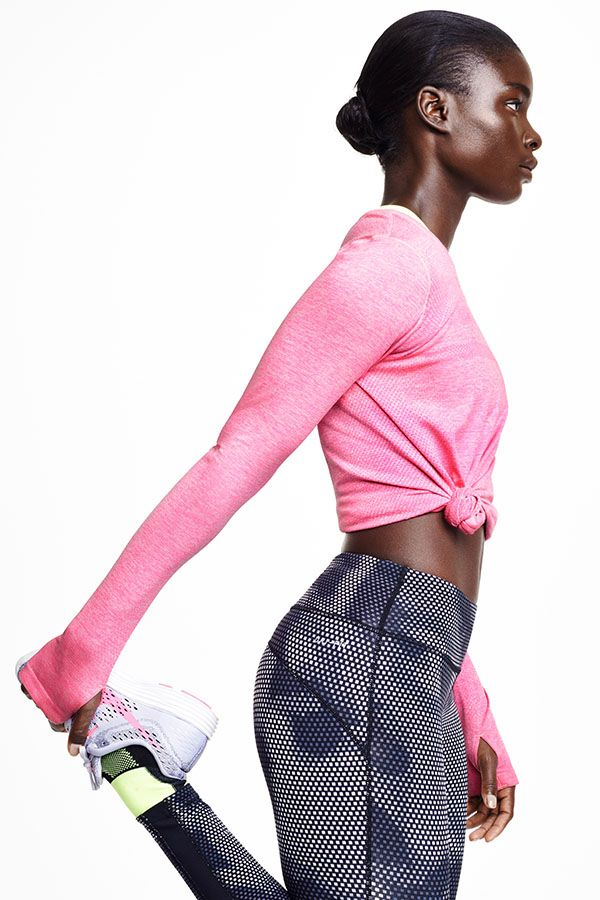 Support for every stride. The Nike Dri-FIT Knit Long-Sleeve Shirt, Epic Lux Printed Tight and LunarTempo Running Shoe have a smooth and flexible fit to enhance your run.