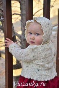 Ажурный комплект из кофточки и шапочки для девочки 1-2 года.