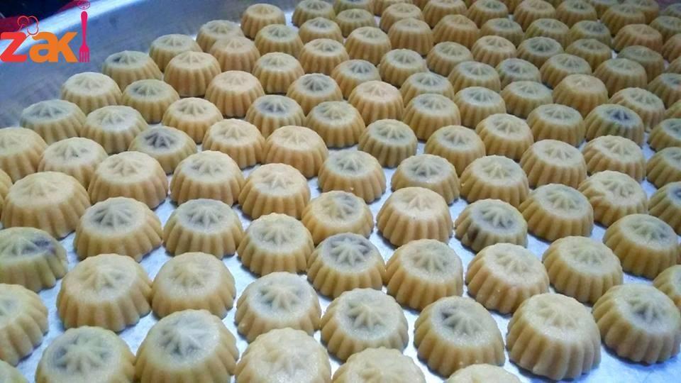 معمول التمر بطريقة ناجحة مليون بالمية كعك وبسكويت كيكات Sweet Pastries Palestinian Food Food And Drink