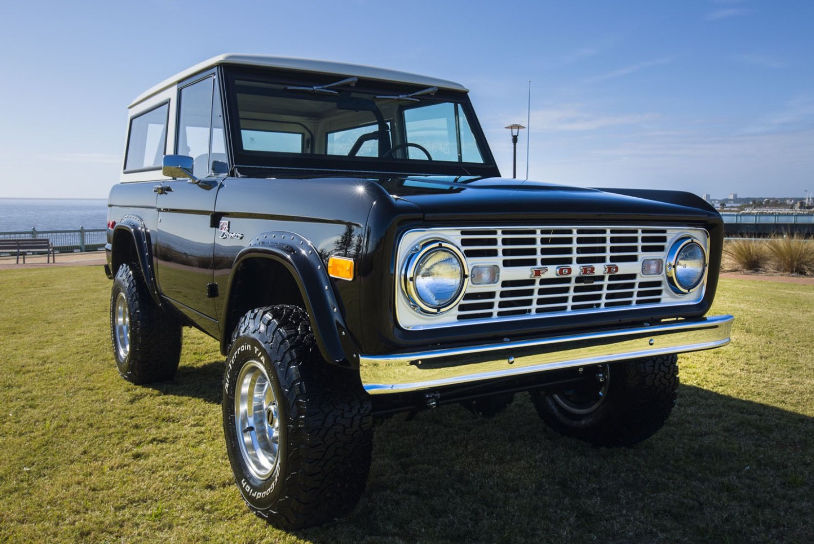 Classic ford broncos classic bronco classic trucks ford bronco for sale early