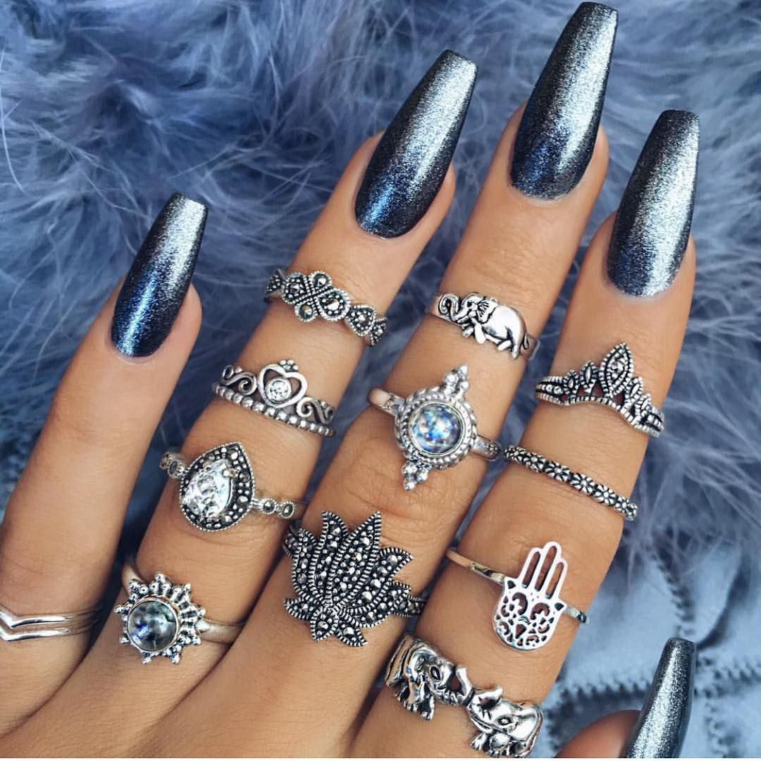 This teal color is so awsome and the rings bring out it\'s color ...