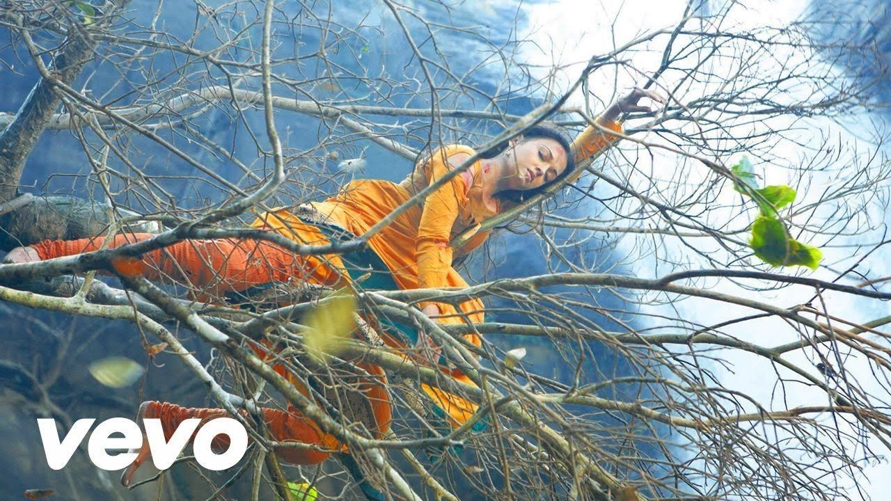 Song: Usure Pogudhey Movie: Raavanan | Tamil Movie Songs [Videos ...