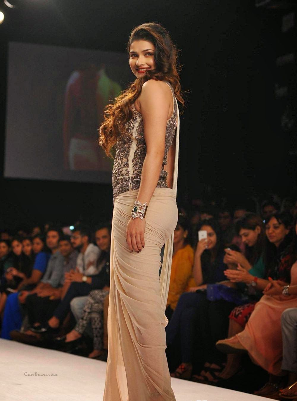 Cool Prachi Desai Hot Ramp Walk Photos At Lakme Fashion Week 2014