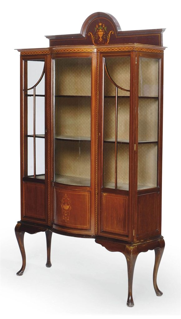 AN EDWARDIAN MAHOGANY AND MARQUETRY DISPLAY CABINET EARLY 20TH CENTURY