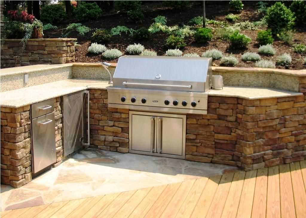 7 Tips In Choosing Outdoor Kitchen Grills With Images Outdoor Kitchen Design Layout Outdoor Kitchen Countertops Outdoor Kitchen Design