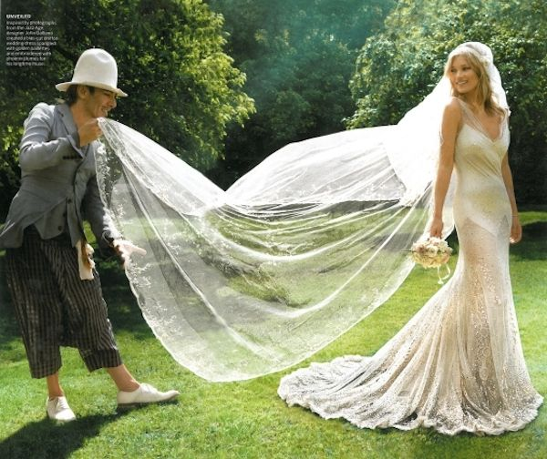 Look At John Galliano Fluffing Kate Moss S Wedding Veil The Cut Is My Icon This I Would For