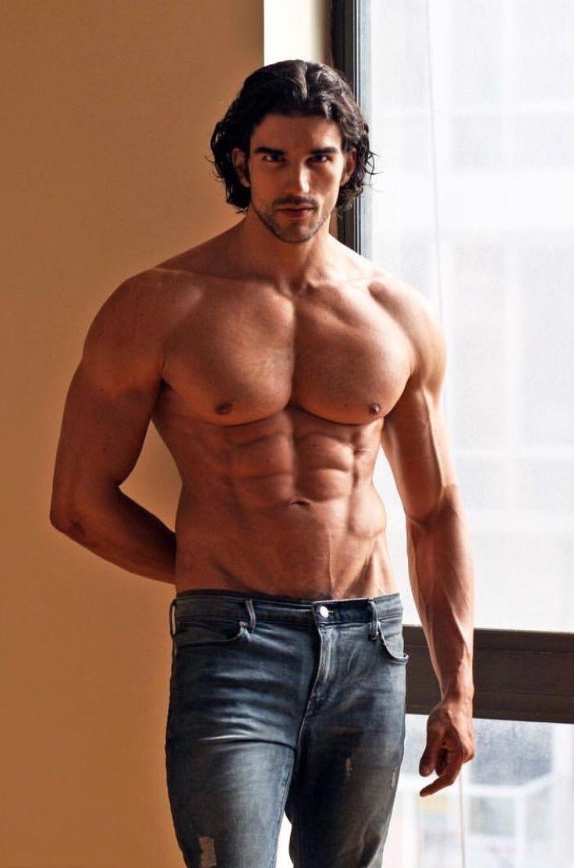квартир возможна парень атлетического телосложения фото отец, служащий